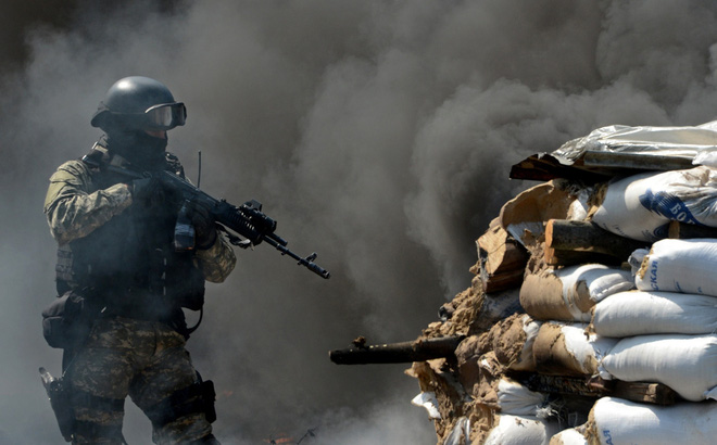 """Ukraine quyết tái chiếm Donbass: """"Cơn đau đầu"""" của Tổng thống Putin!"""