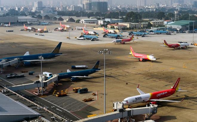 """Vietnam Airlines liên tiếp bị """"đàn em"""" vượt mặt"""