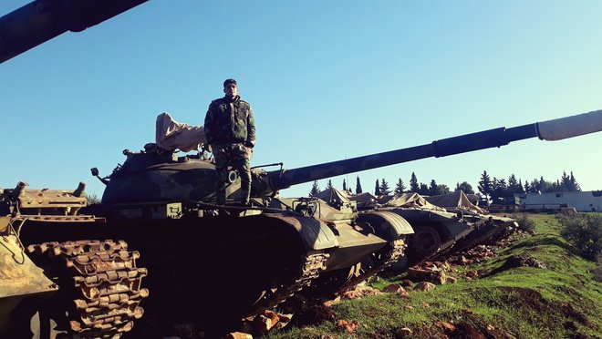 300 tăng pháo Syria áp sát chiến tuyến al-Bab - Phiến quân trước viễn cảnh bị Thổ bán đứng - Ảnh 2.