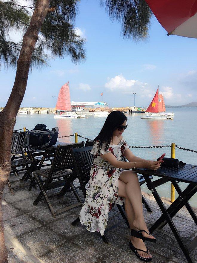 NSND Thu Hà: Nữ hoàng ảnh lịch thập niên 90 và cuộc sống kín tiếng tuổi 52 - Ảnh 9.