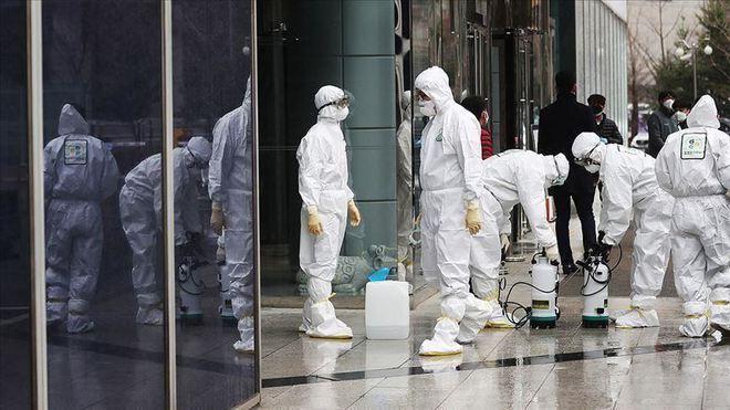 Trong khi thế giới vật lộn với COVID-19, Nhật Bản có số người tử vong giảm bất ngờ: New York Times phân tích 2 lý do - Ảnh 3.