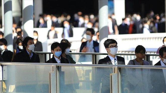 Trong khi thế giới vật lộn với COVID-19, Nhật Bản có số người tử vong giảm bất ngờ: New York Times phân tích 2 lý do - Ảnh 2.