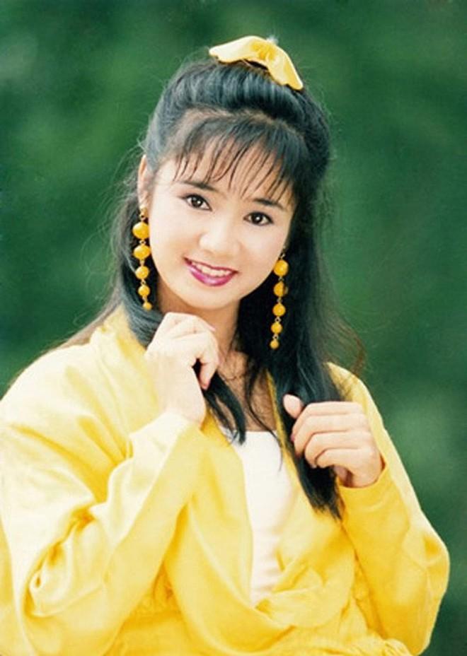 NSND Thu Hà: Nữ hoàng ảnh lịch thập niên 90 và cuộc sống kín tiếng tuổi 52 - Ảnh 4.