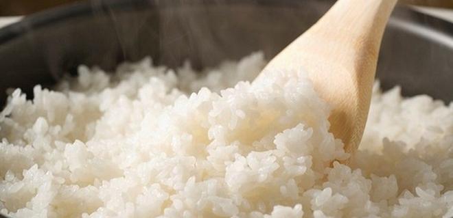 Chữa cơm nhão thành cơm ngon thần sầu dễ như trở bàn tay - Ảnh 1.