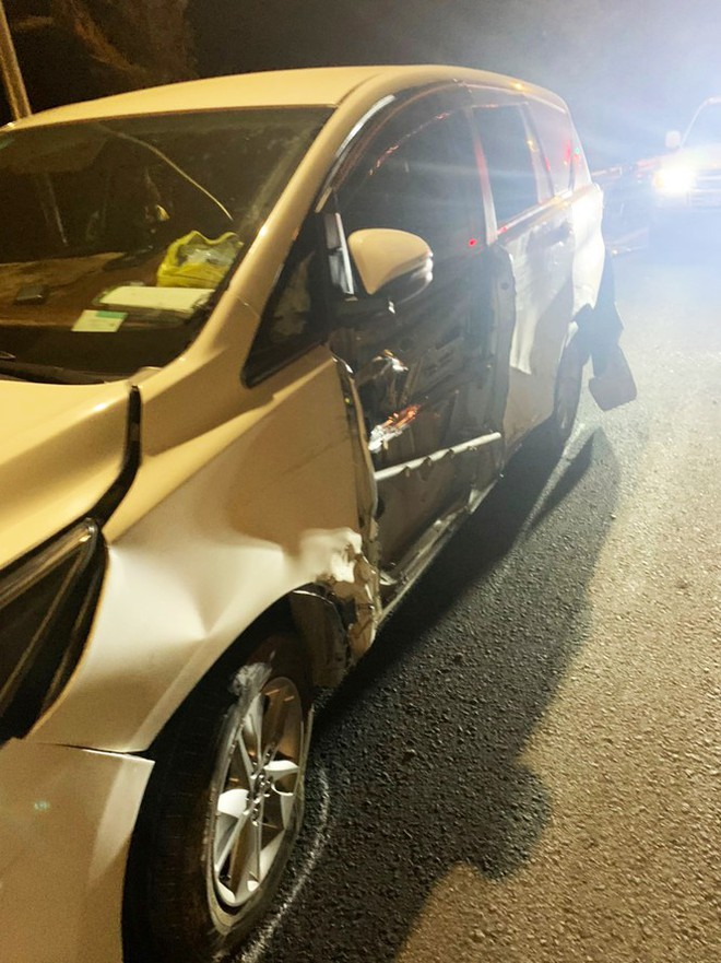 Hiện trường vụ tai nạn liên hoàn giữa xe container và 5 ô tô trên đèo Bảo Lộc - Ảnh 7.