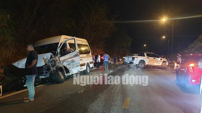 Hiện trường vụ tai nạn liên hoàn giữa xe container và 5 ô tô trên đèo Bảo Lộc - Ảnh 2.