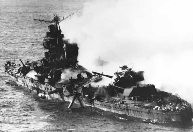Điểm lại những trận chiến trên biển lớn nhất trong lịch sử thế giới  - Ảnh 9.