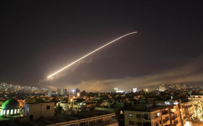 """Mỹ không kích Syria: Hé lộ nguồn cung cấp tin giúp quân Mỹ """"tóm dính"""" đồng minh của Iran"""