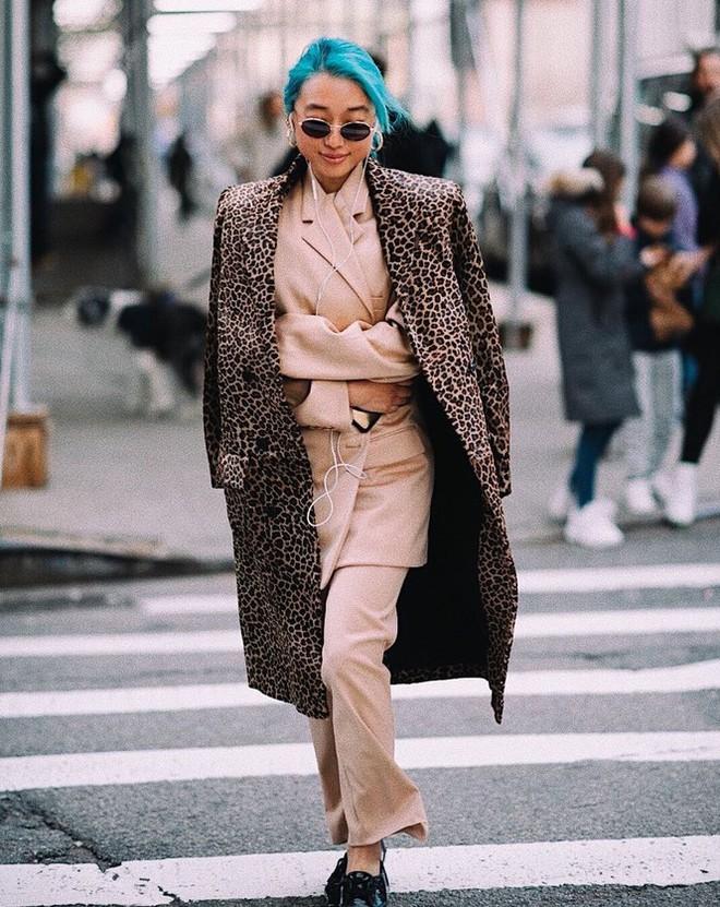 Sắc vóc của người mẫu 27 tuổi vừa trở thành tổng biên tập Vogue trẻ nhất - Ảnh 11.