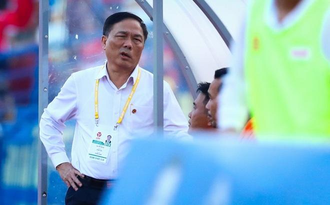 """Cố đấm ăn xôi, CLB Thanh Hóa """"ném qua cửa sổ"""" thêm gần nửa tỷ đồng"""
