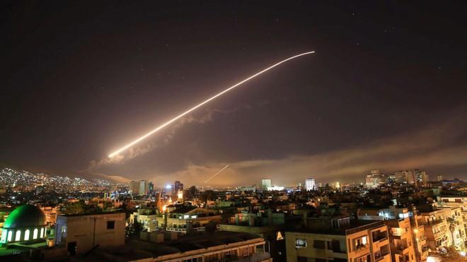 Ông Biden ra lệnh tấn công Syria: Nước Mỹ bị khiêu khích, Lầu Năm Góc phải hành động! - Ảnh 1.