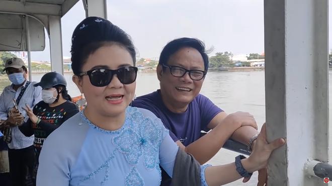 NSND Thanh Ngân: Tôi không ngờ anh Tấn Hoàng lại mua đầm ngắn cho mẹ vợ - Ảnh 1.