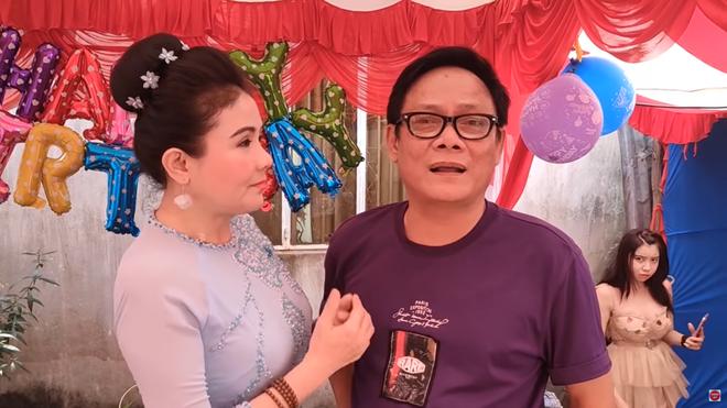 NSND Thanh Ngân: Tôi không ngờ anh Tấn Hoàng lại mua đầm ngắn cho mẹ vợ - Ảnh 4.