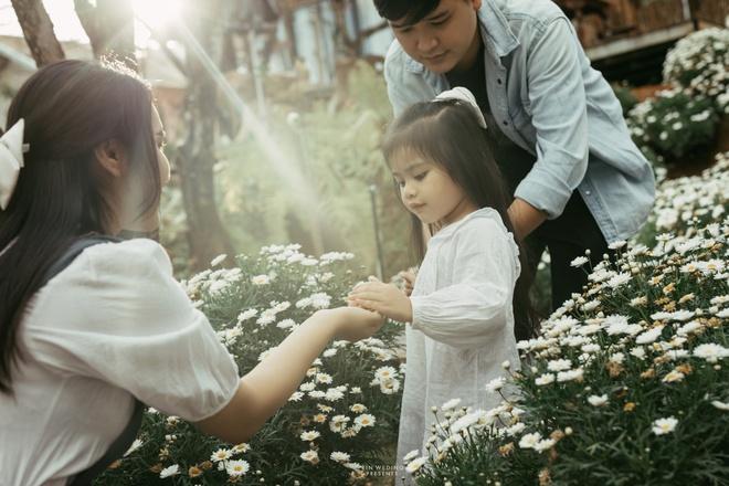 Bất ngờ về danh tính bà xã xinh đẹp, tài năng của đạo diễn trăm tỷ Võ Thanh Hòa - Ảnh 7.