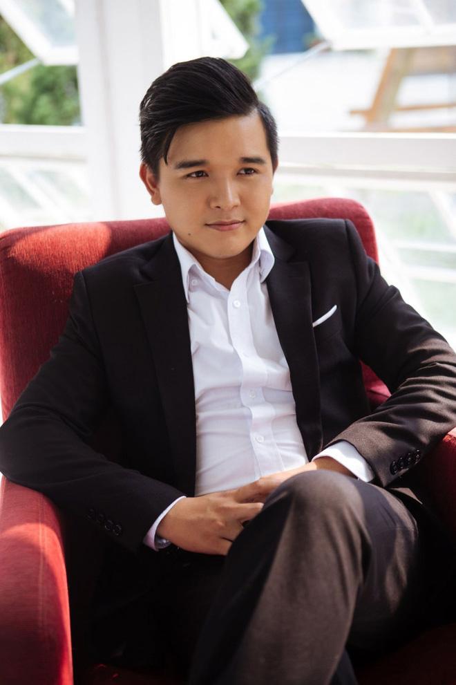 Bất ngờ về danh tính bà xã xinh đẹp, tài năng của đạo diễn trăm tỷ Võ Thanh Hòa - Ảnh 1.