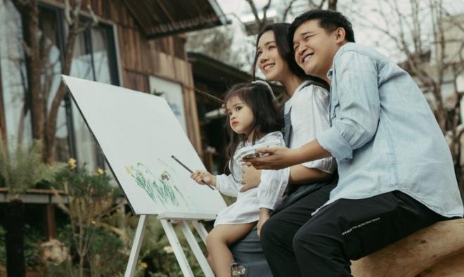 Bất ngờ về danh tính bà xã xinh đẹp, tài năng của đạo diễn trăm tỷ Võ Thanh Hòa - Ảnh 8.
