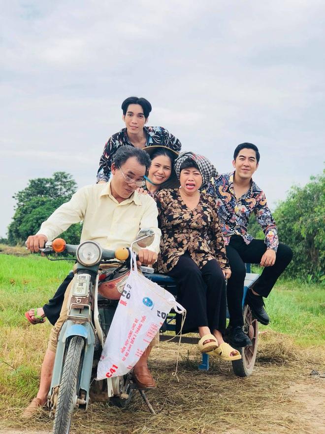 Diễn viên Phương Bình: Không đủ tiền mua vé xe đò về thăm vợ, đau xót vì con suýt mù - Ảnh 4.