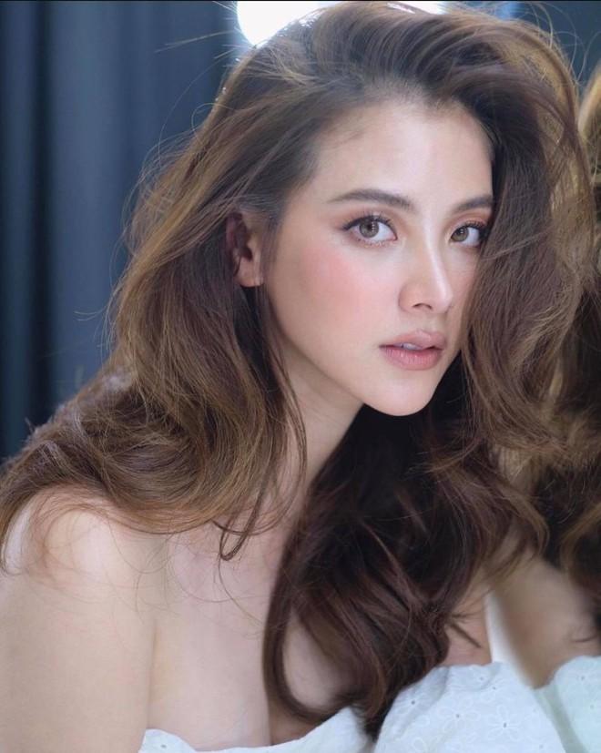 Nữ thần Thái Lan gây sốt xình xịch với bộ ảnh khoe cận cảnh nhan sắc đẹp rụng rời - ảnh 1