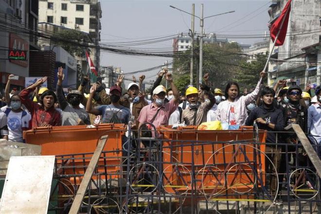 Đụng độ leo thang ở Myanmar, thêm người thiệt mạng - ảnh 3