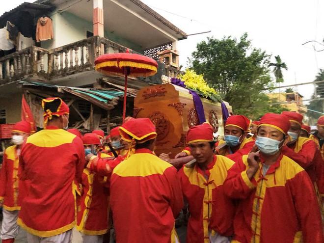 Xúc động tang lễ 'cung nữ đặc biệt' triều Nguyễn - Ảnh 9.