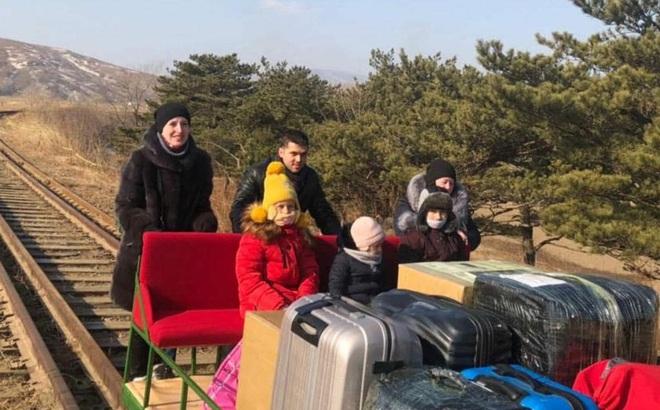 Nhà ngoại giao Nga tiết lộ điểm thú vị khi đẩy xe goòng rời Triều Tiên về nước
