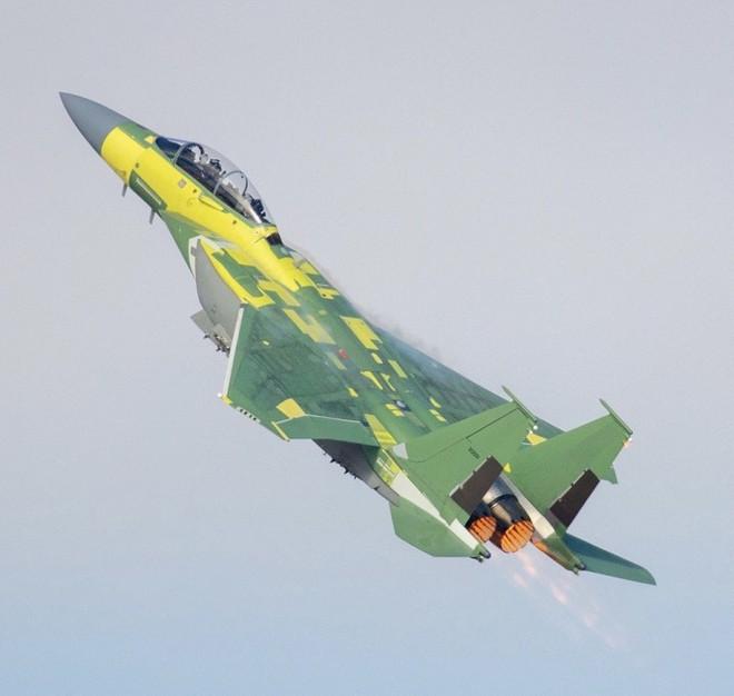 Máy bay chiến đấu F-15EX mới nhất của Mỹ lần đầu tiên xuất kích - Israel tuyên bố sẵn sàng một mình đánh Iran! - Ảnh 1.