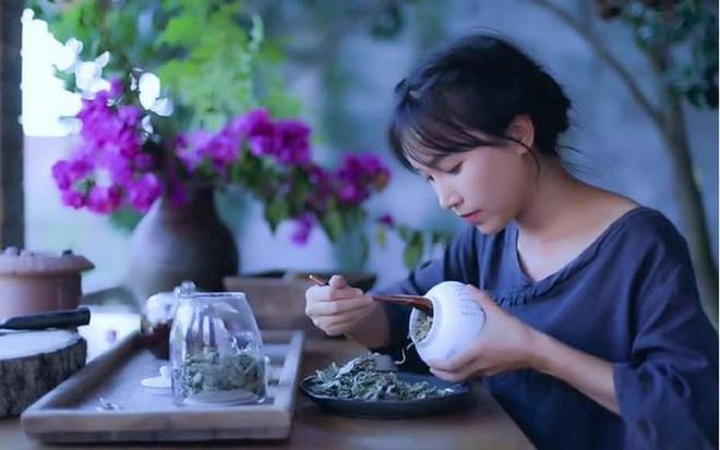 'Tiên nữ đồng quê' Lý Tử Thất lập kỷ lục Guinness với loạt video 'cổ phong mỹ thực' - Ảnh 1.