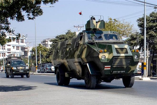 Quân đội Myanmar dễ dàng lật đổ chính phủ của bà Aung San Suu Kyi: Đòn chí mạng đến từ một sơ hở - Ảnh 3.