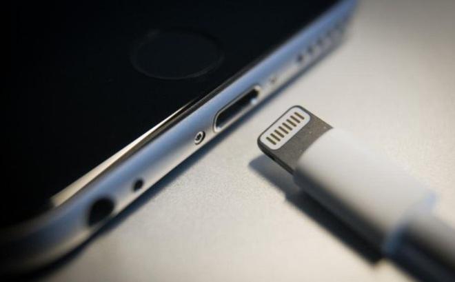 """Nghị viện EU ủng hộ nghị quyết """"thống nhất chuẩn sạc"""", Apple sẽ phải dùng chung cổng sạc như smartphone Android?"""