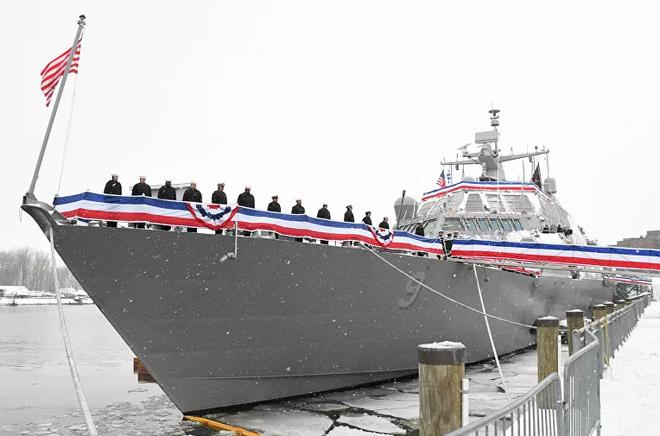 Một loạt tàu bị xóa xổ và cắt thành phế liệu: Điều gì xảy ra với Hải quân Mỹ? - Ảnh 1.