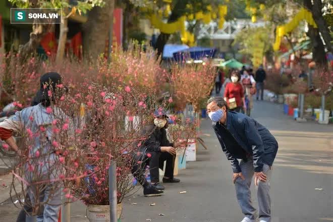 Cảnh xưa nay hiếm tại khu chợ chỉ họp duy nhất 1 lần trong năm, ai cũng giống ai ở 1 điểm - Ảnh 5.