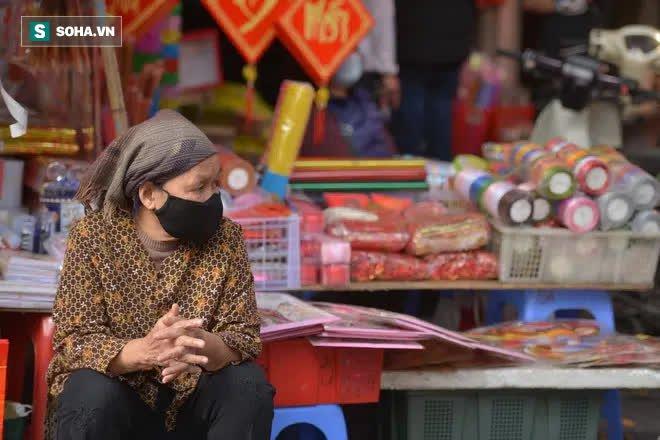 Cảnh xưa nay hiếm tại khu chợ chỉ họp duy nhất 1 lần trong năm, ai cũng giống ai ở 1 điểm - Ảnh 13.