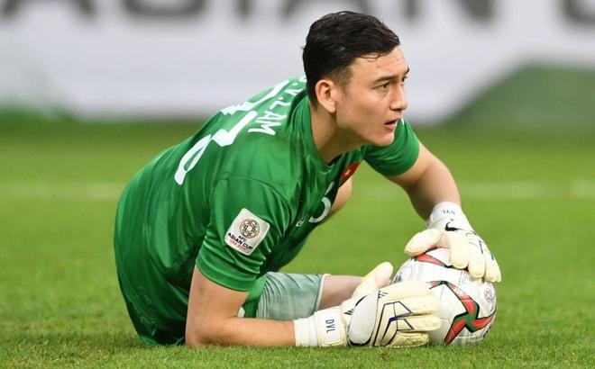 Trang chuyển nhượng nổi tiếng thế giới xác nhận Đặng Văn Lâm ký hợp đồng với Cerezo Osaka