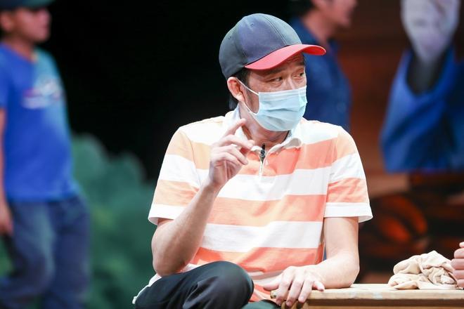 Hoài Linh đeo khẩu trang tập kịch Tết - Ảnh 5.
