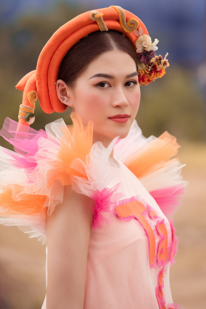 Ngọc Thanh Tâm tự tin khoe giọng hát - Ảnh 1.