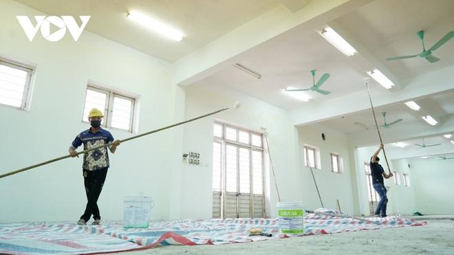 Khẩn trương thi công bệnh viện dã chiến số 3 tại Hải Dương - Ảnh 2.