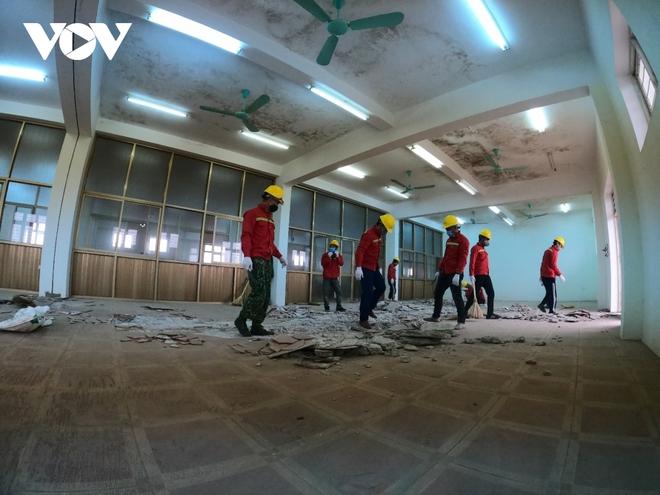 Khẩn trương thi công bệnh viện dã chiến số 3 tại Hải Dương - Ảnh 4.