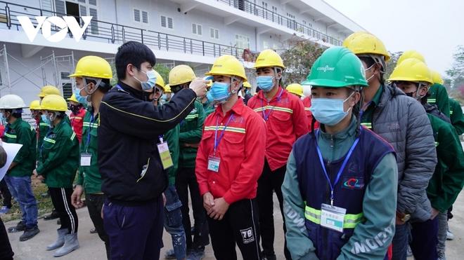 Khẩn trương thi công bệnh viện dã chiến số 3 tại Hải Dương - Ảnh 5.