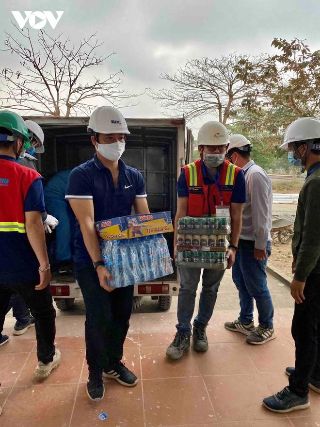 Khẩn trương thi công bệnh viện dã chiến số 3 tại Hải Dương - Ảnh 7.