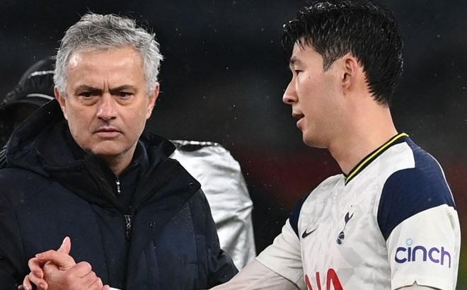 Bại dưới tay Chelsea, Mourinho đau đớn nhận thành tích tệ nhất trong sự nghiệp cầm quân