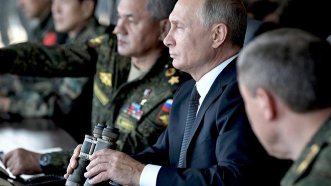Một loạt tướng cấp cao Nga bí mật tới Syria: Ông Putin đang toán tính điều gì? - Ảnh 1.