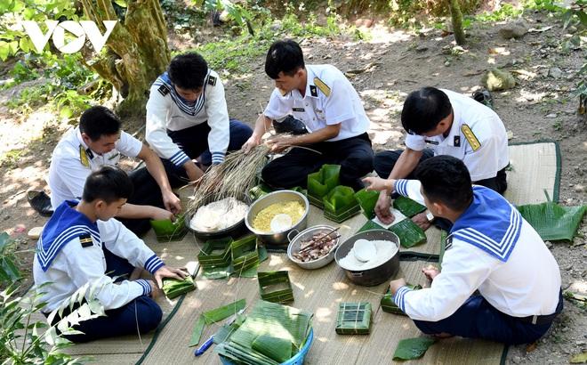 Lính đảo Tây Nam: 27 năm chỉ đón Tết một lần duy nhất với gia đình