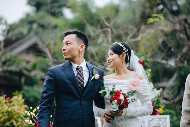 """Tình yêu như mơ và chuyện cô dâu """"tăng mượn, giảm mua, tự làm"""" trong đám cưới - Ảnh 1."""