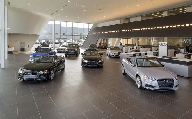Người giàu Việt ngày càng nhiều lên, các đại lý ô tô cần làm gì để thu hút khách mua xe sang?