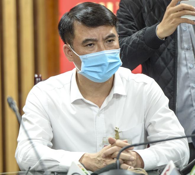 Chủ tịch UBND quận Thanh Xuân: Hành động cứu cháu bé rơi từ tầng 12A của anh Mạnh là phi thường - Ảnh 5.