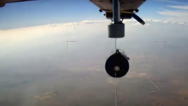 Nga lần đầu hé lộ 'sát thủ' không người lái có thể dội bom, phóng tên lửa đang thử nghiệm Syria - Ảnh 3.