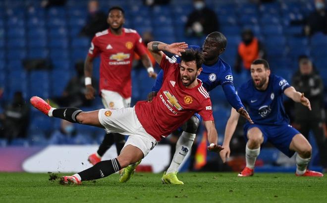 Mắc kẹt với chuỗi trận kỳ quặc, Man United