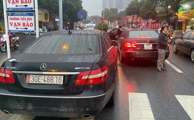 Cục CSGT vào cuộc vụ 2 ô tô Mercedes E300 trùng biển số lưu thông trên đường Hà Nội