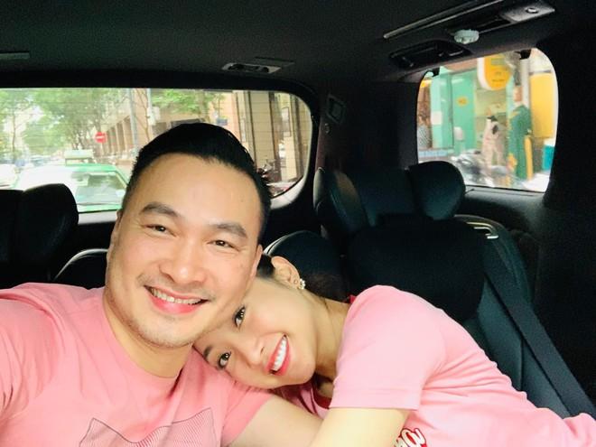 Vợ 3 kém 16 tuổi của Chi Bảo: Giàu, đẹp có quan hệ với nhiều nghệ sĩ nổi tiếng - Ảnh 3.