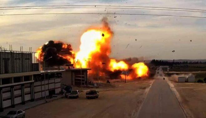 Tên lửa Iskander khai hỏa từ căn cứ Hmeymim nhằm thẳng phe Thổ - Lực lượng đặc nhiệm bí ẩn xuất hiện tại Donbass, thế lực nào ra tay? - Ảnh 1.